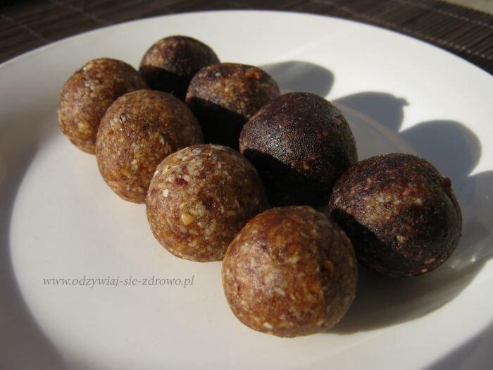 Kulki daktylowo-kokosowo-migdałowe