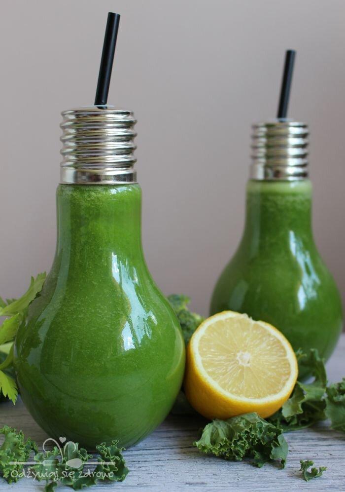 Energetyzujący sok z brokuła, jarmużu, selera, cytryny i pomarańczy