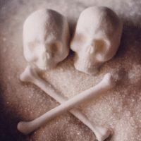 20 negatywnych skutków spożywania białego cukru