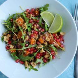 Sałatka z batatem i komosą ryżową (quinoa)