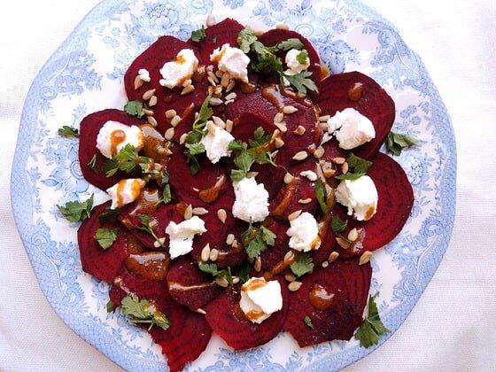 Carpaccio z buraczków i sera koziego - dieta w insulinooporności (IO) - przykładowy jadłospis
