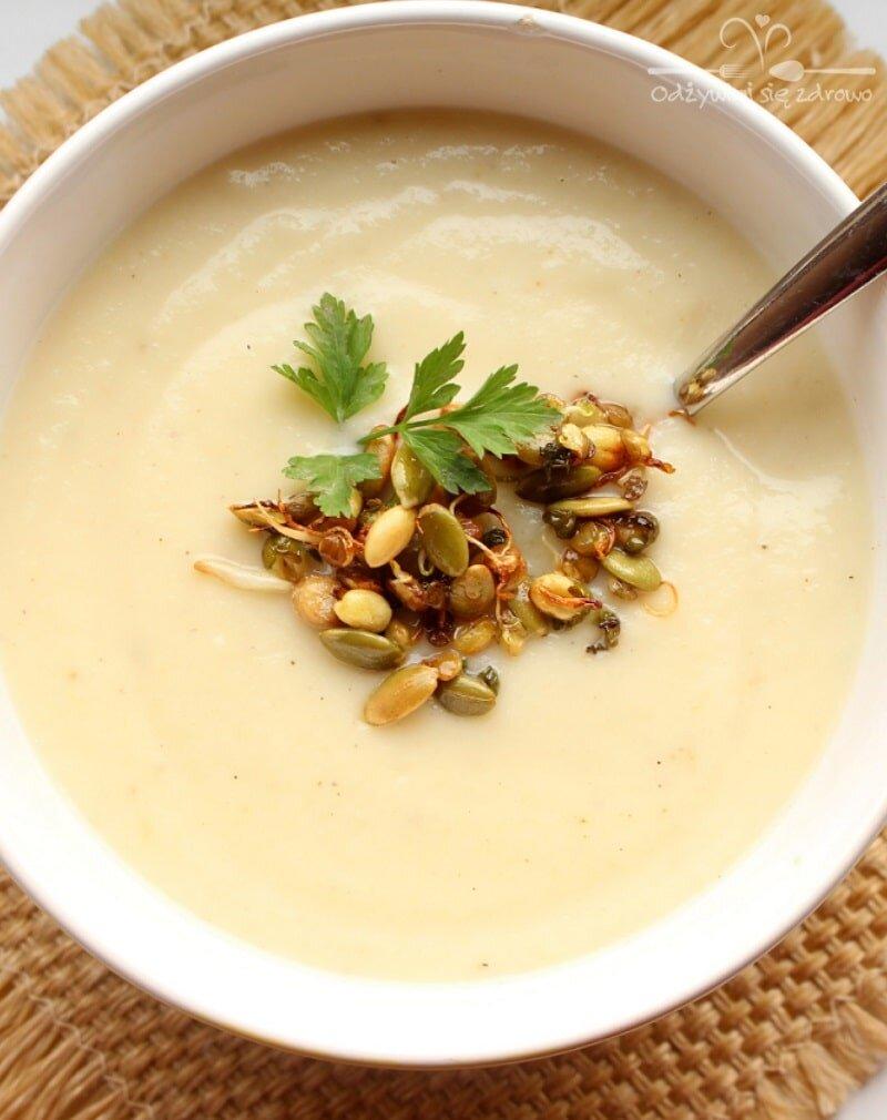 Pyszna zupa krem z białych warzyw foodbook