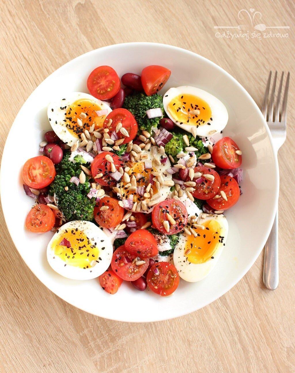 Sałatka z jajem foodbook