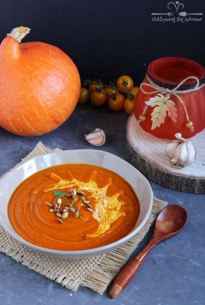 Krem z dyni i pomidorów