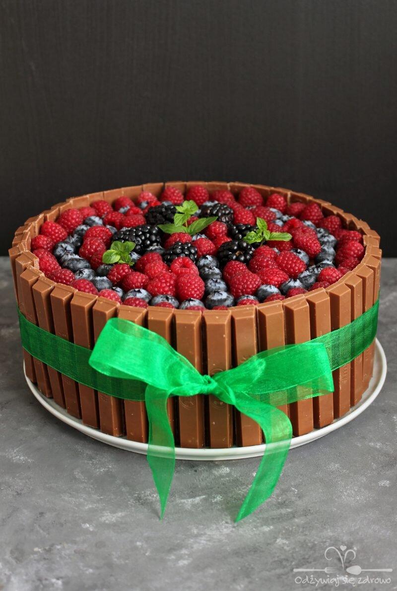 """Z serii """"niezdrowe, ale od serca"""": Urodzinowy tort czekoladowy"""