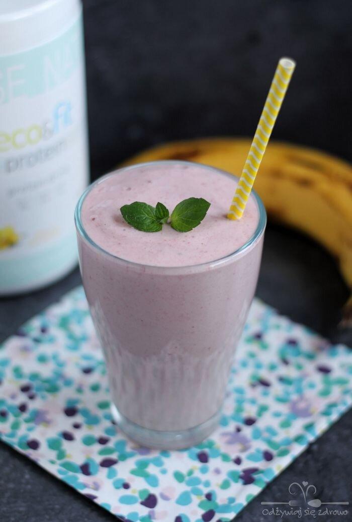 Proteinowy koktajl truskawkowo-bananowy