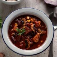 Rozgrzewająca meksykańska zupa gulaszowa