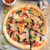 Domowa pizza z dodatkami