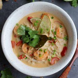 Zupa tajska z krewetkami i papryką miniatura