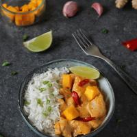 Pyszny kurczak w sosie curry z mango