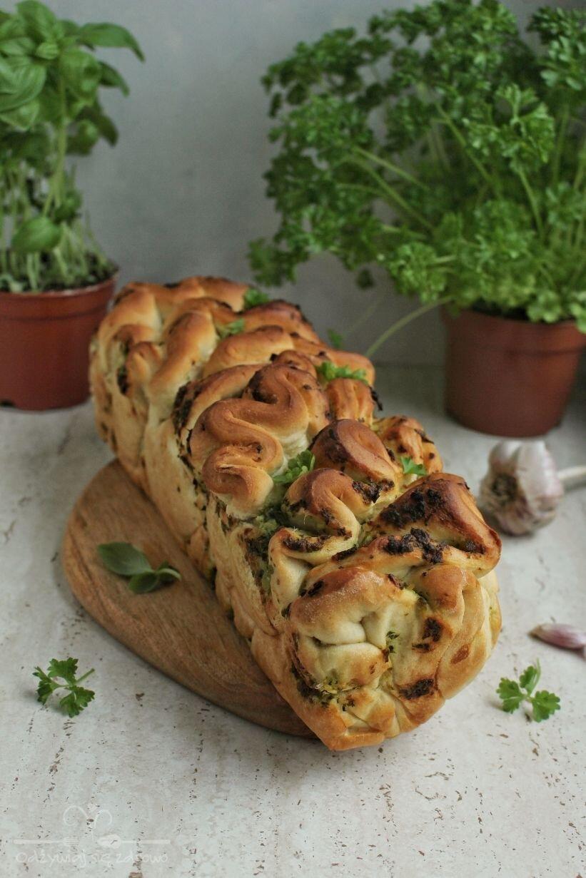 Chlebek ziołowo-czosnkowy