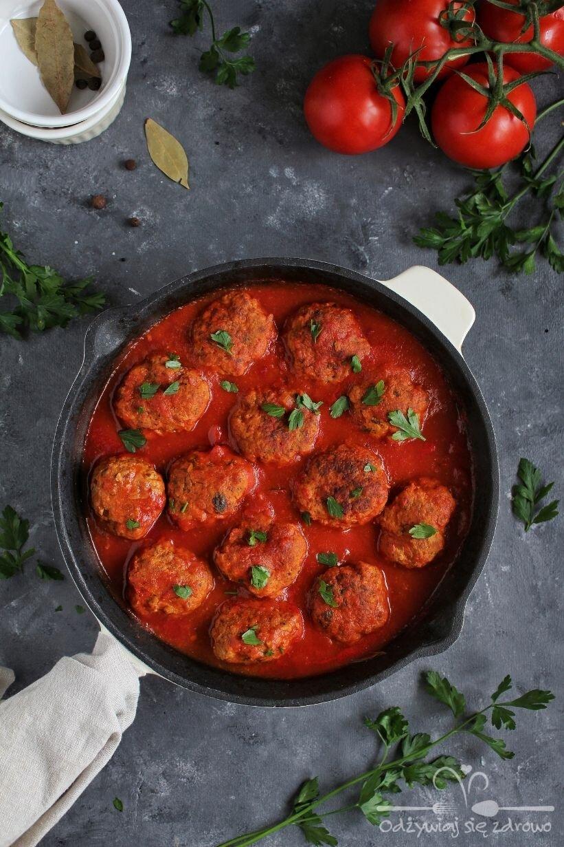 Pulpeciki drobiowe w sosie pomidorowym(1)