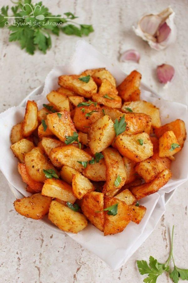 Pyszne, chrupiące pieczone ziemniaczki