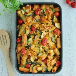 Zapiekanka makaronowa z kurczakiem i warzywami miniatura
