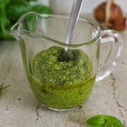 Pesto z bazylii - miniatura